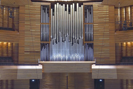 Sis mil persones donen la benvinguda al nou orgue Grenzing a París
