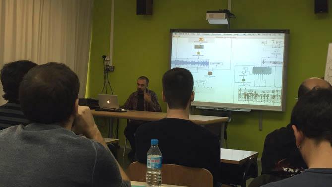 Un instant del curs amb Xavi Castillo, de BCN216. © www.facebook.com/cursbmp