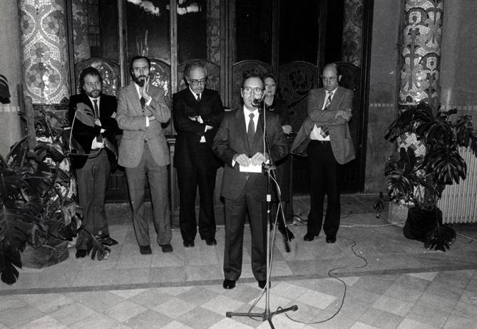 Pere Artís i Benach en la presentació de la «Revista Musical Catalana», l'any 1984, a la Sala Lluís Millet del Palau de la Música Catalana. © Pau Barceló/arxiu RMC