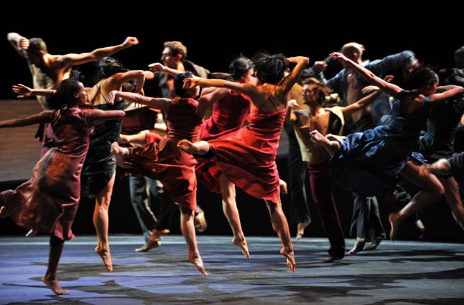 El Ballet del Grand Théâtre de Ginebra, en Romeu i Julieta. © Magali Dougados
