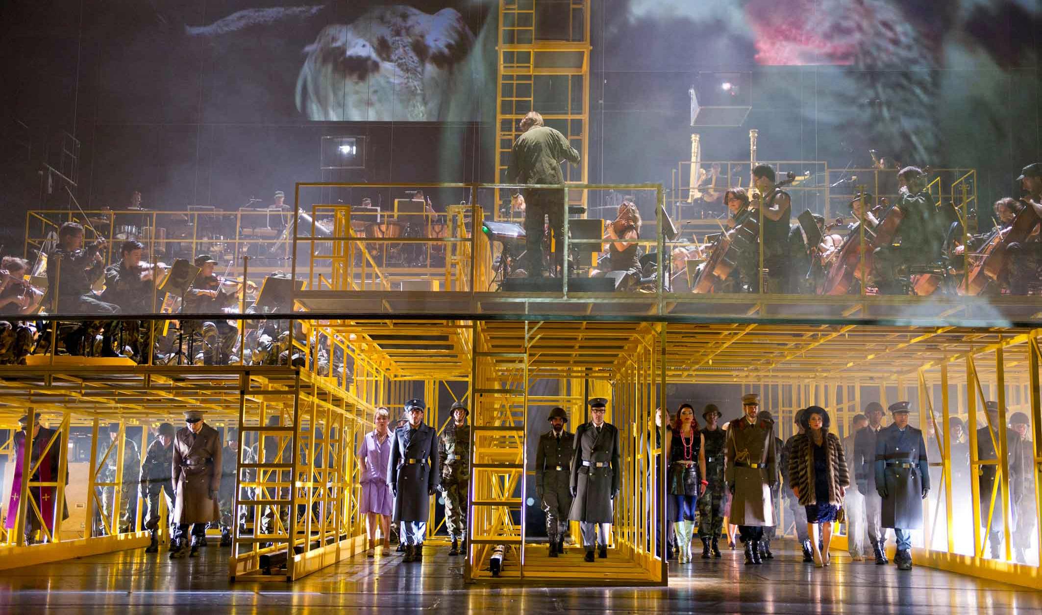 Die Soldaten. © Monika Ritterhaus/Opernhaus Zürich