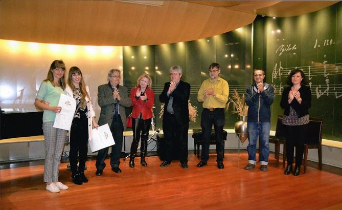 Irma Bau Rubinat i Irina Veselova, amb els membres del jurat