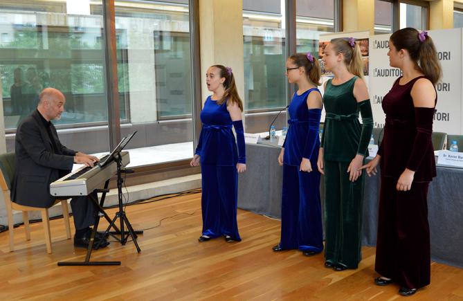 Solistes del Cor Vivaldi durant la presentació del Simposi