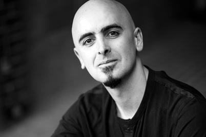 L'organista Daniel Oyarzábal (vertical)