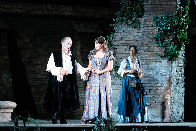 Leo Nucci i Jessica Nuccio, Rigoletto i Gilda a l'òpera de Giusseppe Verdi. Foto: ©Ph Ennevi. Courtesy of Fondazione Arena di Verona