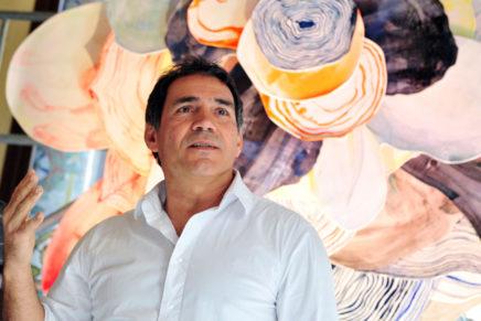 L'artista plàstic Santi Moix mostra el seu món floral en una exposició al Palau de la Música Catalana