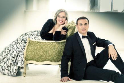 Carles & Sofia celebren trenta anys de piano a quatre mans